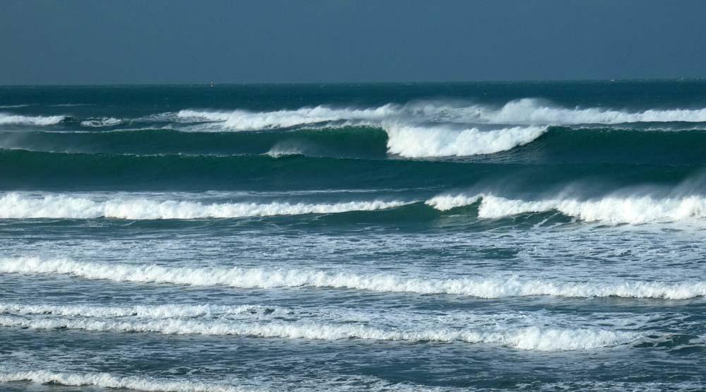 Vent SUd et Houle longue, ça surf à Siouville !!!
