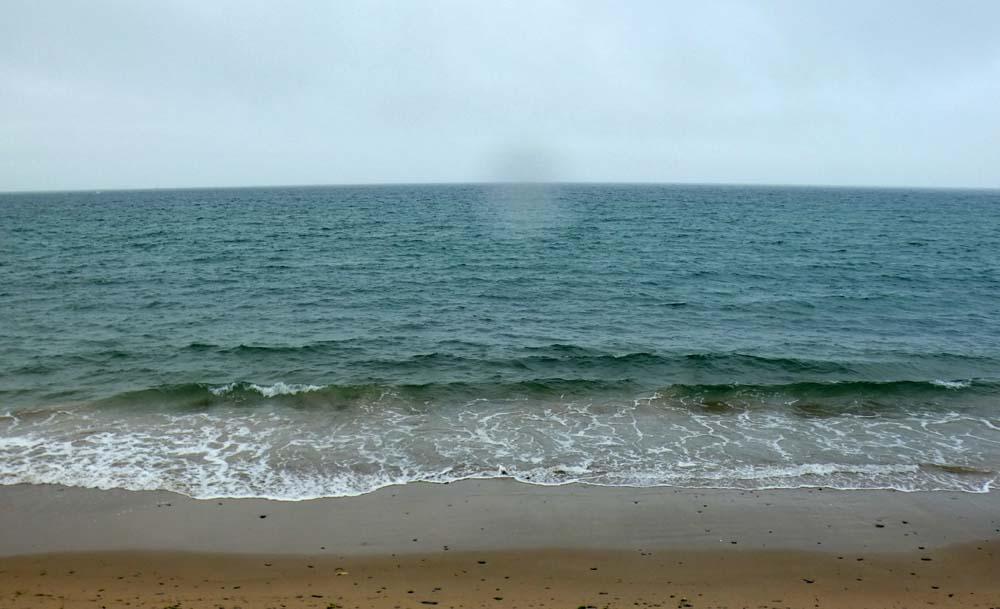 Pas de houle, pas de vagues, pas de soleil pas de surf mais un peu de vent d'ouest
